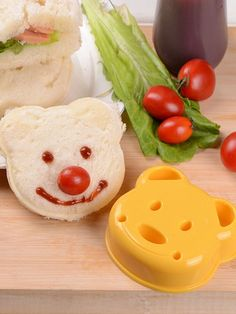 Baking & Pastry Tools Home & Garden Practical Little Bear Shape Sandwich Mold Bread Biscuits Embossed Device Cake Mold Maker Diy Mold Cutter High Quality Random Color High Standard In Quality And Hygiene