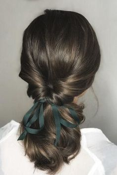 hottest bridesmaids hairstyles ideas swapt ponytail with green ribbon on dark ha. - hottest bridesmaids hairstyles ideas swapt ponytail with green ribbon on dark hair oui_novias via i - # short Braids shoulder length Pretty Hairstyles, Braided Hairstyles, Hairstyle Ideas, Men Hairstyles, Short Hair Hairstyles Easy, Hairstyles For Girls, Hairstyles For Short Hair, Hair Ideas, Short Hair Dos