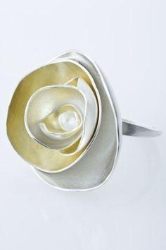 *silver rose ring