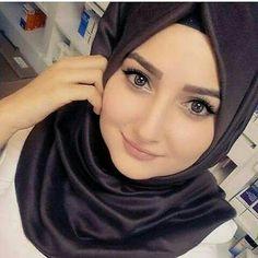 Beautiful Hijab Girl, Beautiful Muslim Women, Arab Girls Hijab, Muslim Girls, Muslim Brides, Hijabi Girl, Girl Hijab, Arabian Women, Hijab Collection