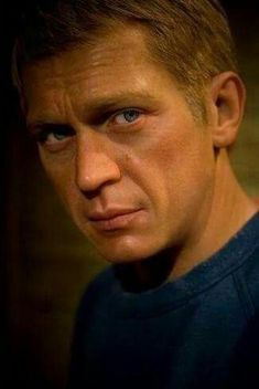 Mr Cool.... it has been said 007 looks like Steve McQueen... In his dreams lol!....16 Sept 16 *A*