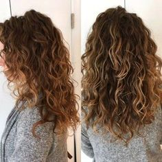Hair Blonde Fringe Waves 42 Ideas Best Picture For bayalage blonde curly hair For Your Taste You are Natural Wavy Hair, Long Curly Hair, Long Natural Curls, Curly Hair With Fringe, Long Layered Hair Wavy, Wavy Hair Perm, Natural Perm, Brown Curly Hair, Hair Perms