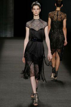 Monique Lhuillier ready-to-wear autumn/winter '14/'15 gallery - Vogue Australia