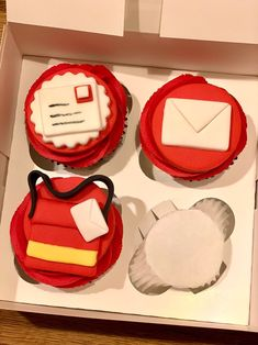 Post Box Cake, Tiger Cake, Edible Cupcake Toppers, Unicorn Cake Topper, Fondant Icing, Food Items, A Food, Cupcakes, Baking
