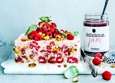Semifreddo with raspberries, basil pistach nuts Granita, Cupcake Images, Sorbets, Delicious Magazine, Ice Ice Baby, Party Food And Drinks, High Tea, Cake Cookies, No Bake Cake