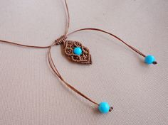 minimal macrame choker / pendant with turquoise beads by Knotify
