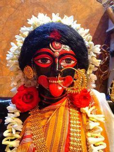 Maa Durga Image, Durga Maa, Durga Puja Kolkata, Hindu Deities, Hinduism, Mother Kali, Durga Painting, Kali Mata, Lord Shiva Statue