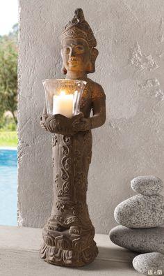 Ausgefallene Figur - ein Traum! grauer Zement, leicht weiß gekalkt, Windlicht aus Glas, möbelschonende Kunststoffnoppen auf der Unterseite