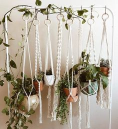 Interested in hanging more plants in your home? Then we have the perfect project for you! Check out these ideas for creating your own DIY hanging planter. Hanging Planters 17 Charming DIY Indoor Hanging Planters to Display Your Greenery Diy Hanging Planter, Indoor Planters, Diy Planters, Indoor Outdoor, Plants Indoor, Hanging Plants Outdoor, Hanging Gardens, Diy Home Decor Rustic, Plant Aesthetic