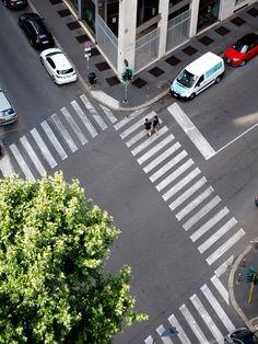 Street view in Milan Travel Around The World, Around The Worlds, Milan, Travelling, Sidewalk, Street View, Side Walkway, Walkway, Walkways