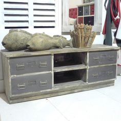 meuble tv style industriel avec ancien tiroirs et plateaux. Black Bedroom Furniture Sets. Home Design Ideas