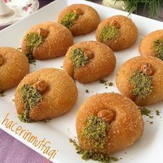 Su Damlası Tatlısı Good Food, Yummy Food, Arabic Food, Turkish Recipes, Bagel, Deserts, Food And Drink, Cooking Recipes, Tasty