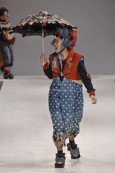 Momo Wang – Central St Martins BA Fashion Press show 2011  