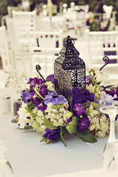 Ideas center-of-table-marriage-oriental-lantern Moroccan-decoation-floral violet-mauve-purple-lilac Source by Wedding Lanterns, Wedding Centerpieces, Wedding Table, Wedding Decorations, Oriental Wedding, Moroccan Wedding, Purple Wedding, Summer Wedding, Wedding Flowers