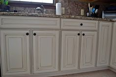 American Heritage cabinets, Savannah style in Maple Hazelnut Glaze. For sale at Home Depot! <3