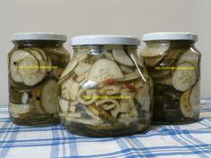 Ezt fald fel!: Savanyú uborka télire - csemege uborka helyett Pickles, Cucumber, Mason Jars, Favorite Recipes, Food, Essen, Mason Jar, Meals, Pickle