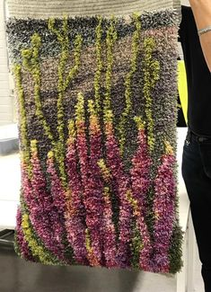Ryijy ommellen tai kehyskudonnalla – Puolaten ja höyläten Rya Rug, Wool Rug, Proddy Rugs, Textiles Techniques, Yarn Wall Hanging, Tapestry Weaving, Rug Hooking, Textile Art, Crochet Stitches
