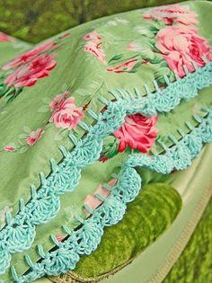 Crochet edging on vintage fabric Crochet Trim, Easy Crochet, Crochet Lace, Crochet Hooks, Free Crochet, Crochet Edgings, Crochet Borders, Crochet Patterns, Textiles