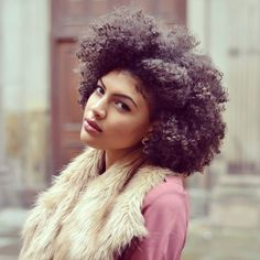 {Grow Lust Worthy Hair FASTER Naturally} ========================== Go To: http://www.shorthaircutsforblackwomen.com/coconut-oil-for-hair ========================== Yes Mamacita! Loving This Fro's Definition!