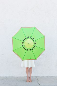 DIY Kiwi Umbrella // it's hurricane season, just sayin' this might come in handy!