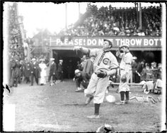 three finger brown, chicago cubs