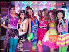 Every Witch Way, Nickelodeon Shows, Japanese Fashion, Take That, Actors, Photo And Video, Vintage, Style, Tv