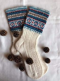 Sock Knitting, Fair Isle Knitting, Mitten Gloves, Mittens, Christmas Stockings, Ravelry, Projects To Try, Footwear, Pattern
