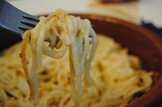 Espaguetis de la abuelita napolitana (con coliflor y guindilla)