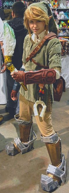 loftwingfeathers:    askgearhoof:    zeldakorraraver:    triforce-maniac:    Those boots!    oh my god that is the best cosplay ive seen so far and ive seen a  LOT of link cosplayers    I-I-just… don't even… can't… too perfect…        Best Link cosplay.