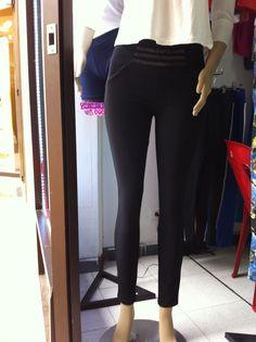 Pantalón licrado negro