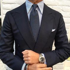 Fashion clothing for men Suit Fashion, Fashion Shoes, Style Fashion, Fashion Tips, Proper Attire, Modern Mens Fashion, Suit Shirts, Men Formal, Men Style Tips