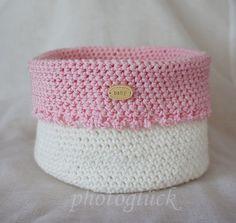 http://de.dawanda.com/product/61681567-Utensilo-Haekelkoerbchen-handmade-Baby-rosa