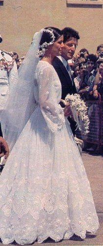 Caroline di Monaco e Philippe Junot............http://www.pinterest.com/pincipealberto/bodas-reales-royal-weddings/
