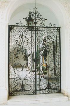An iron gate at Livadia Palace in Livadiya, Crimea Wrought Iron Decor, Wrought Iron Gates, Sculpture Metal, Metal Gates, Knobs And Knockers, Iron Art, Entrance Gates, Iron Doors, Gate Design