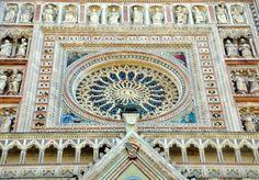 Particolare del Duomo di Orvieto. Rosone