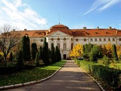 Museum in Oradea. was once a palace. Beautiful place to explore. Art Nouveau Architecture, Austro Hungarian, Future Travel, Travel Photos, Beautiful Places, Explore, Mansions, Palaces, City
