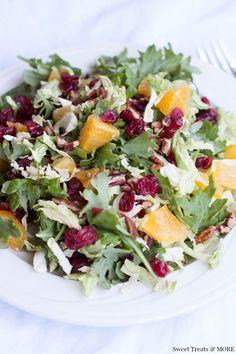 Orange Cranberry Superfood Salad {with Orange-Honey Balsamic Vinaigrette} on sweettreatsmore.com