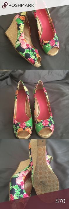 LILLY PULITZER Resort Chic Garden Floral Peep EUC Garden Floral peep toe wedge. Exterior heel and fabric in excellent condition. Mild wear on the sole and insoles, pictures show wear. Padding added to back of heels for added cushion. Lilly Pulitzer Shoes Wedges