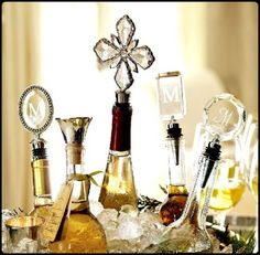 Trend Design Christmas Table Decoration Ideas: Crystal Bottle Stoppers