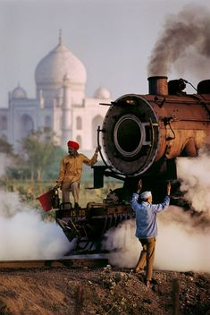 Men working on a steam train, Agra, Uttar Pradesh, India, Steve McCurry. Takashi Murakami, National Geographic, Street Photography, Travel Photography, Film Photography, Better Photography, Creative Photography, Landscape Photography, Nature Photography