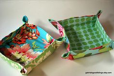 pattern for fabric boxes- a simple beginner sewing project.  also contains links to other boxes that are easy to sew.