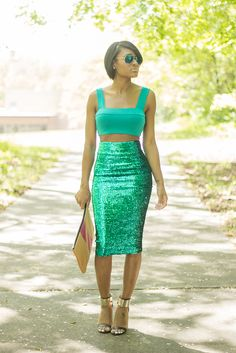 High waisted sequins skirt & crop top. This would look awesome in navy blue.