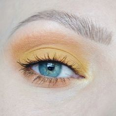 Yellow eyeshadow, orange eyeshadow inspiration. Bright make up. Best make up for blue/green eyes. Yellow smokey eye inspiration. Beauty without boundaries. #talontedlex
