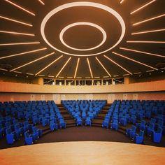 Parlatino - Latin American Parliament, Panama. Architectural and Lighting project: Mallol y Mallol. Lighting products: iGuzzini illuminazione. Photographed by: Fernando Alda. #iGuzzini #lighting #Underscore #iN30
