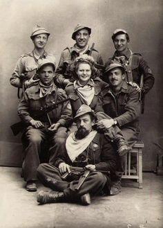 Italian partisans with american weapons #TuscanyAgriturismoGiratola