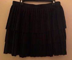 Women's Old Navy Short Black Tiered Pleated Spring Summer Skirt Size Large #OldNavy #Pleated