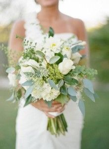 white and cream wedding bouquet