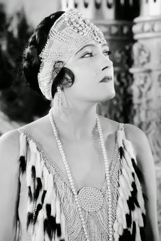 Gloria Swanson, 1922. Arguably the '20s biggest star and Hollywood's first true 'diva', Gloria Swanson was probably more famous for her trend-setting haute couture and astronomical studio riders, which included a gold-plated bathtub, than for her acting.