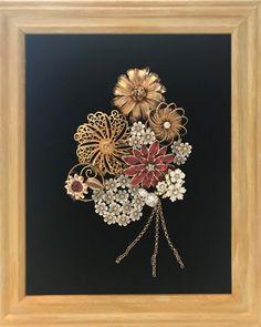 Costume Jewelry Crafts, Vintage Jewelry Crafts, Recycled Jewelry, Vintage Costume Jewelry, Vintage Costumes, Jewelry Wall, Owl Jewelry, Jewelry Tree, Jewelry Ideas