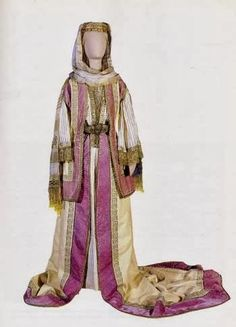 Queen Olga of Greece court dress inspired by the Attica bridal dress. It has an added long train when worn in court. Court Dresses, Dance Costumes, Greek Costumes, Folk Costume, Traditional Dresses, Bridal Dresses, Vintage Outfits, How To Wear, Clothes